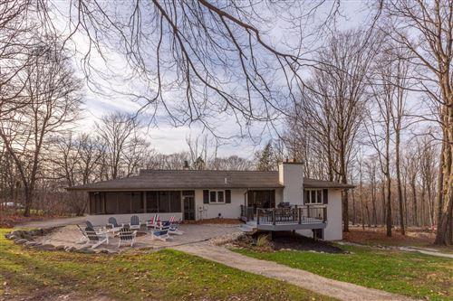 Photo of N1534 Hardwood Dr, Lake Geneva, WI 53147 (MLS # 1719494)