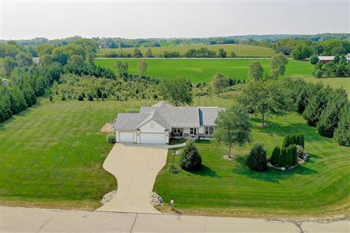 Photo of 33311 Cayuga Way, East Troy, WI 53120 (MLS # 1707497)