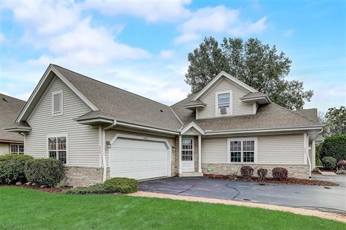 Photo of 4830 S Waterview Ct, Greenfield, WI 53220 (MLS # 1709502)
