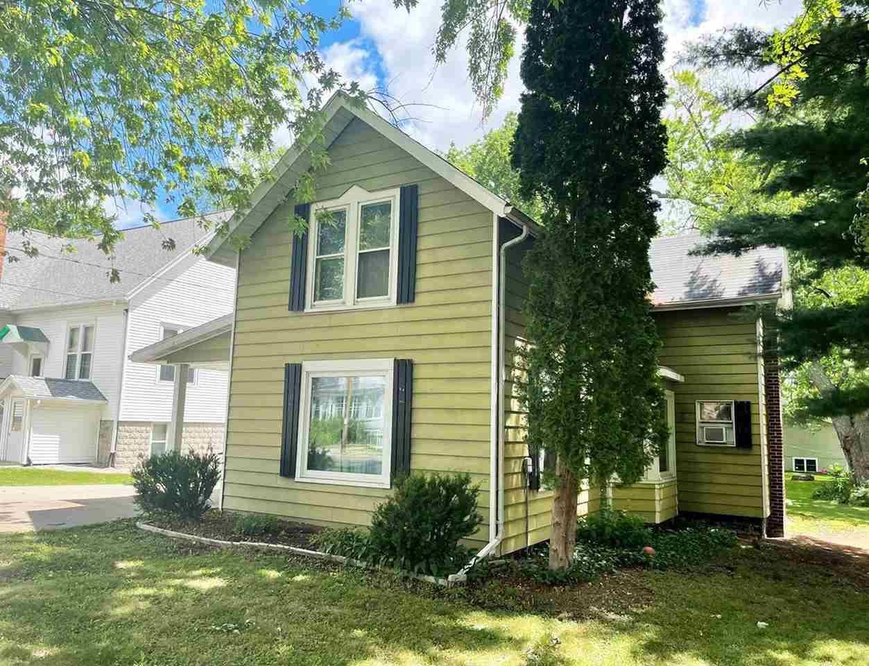 208 S College Avenue, Fox Lake, WI 53933 - MLS#: 1912505