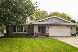 Photo of 8056 S Wake Forest Dr, Oak Creek, WI 53154 (MLS # 1658508)