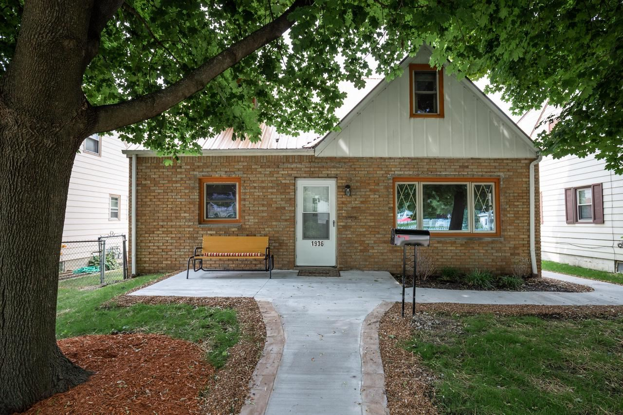 1936 E Euclid Ave, Milwaukee, WI 53207 - MLS#: 1697510