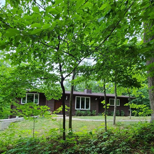 Photo of N2676 Forest Dr, Lake Geneva, WI 53147 (MLS # 1753511)