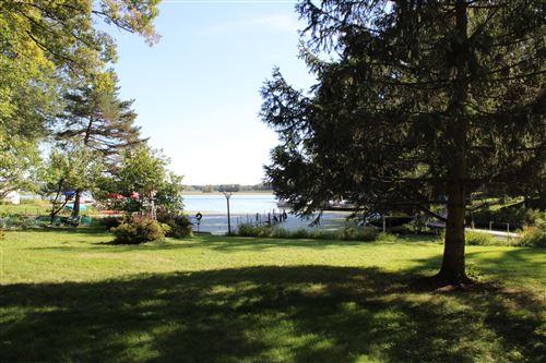 Photo of 29201 White Oak Ln, Waterford, WI 53185 (MLS # 1711512)