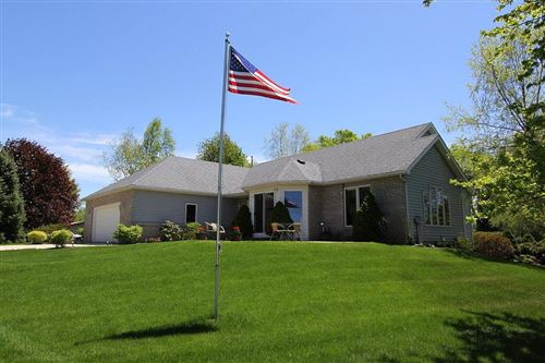 Photo of W5173 Strawberry Hill Rd, Elkhorn, WI 53121 (MLS # 1683513)