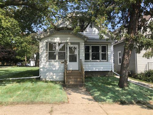 Photo of 516 Menomonee Ave, South Milwaukee, WI 53172 (MLS # 1711514)