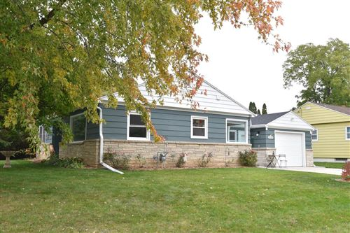 Photo of 3133 W Rochelle Ave, Glendale, WI 53209 (MLS # 1715518)