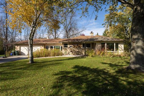Photo of 1812 W Ranch Rd, Mequon, WI 53092 (MLS # 1715519)