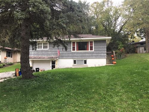 Photo of 541 Gatewood Dr, Twin Lakes, WI 53181 (MLS # 1666521)