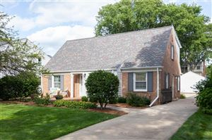 Photo of 6016 N Lydell Ave, Whitefish Bay, WI 53217 (MLS # 1656533)