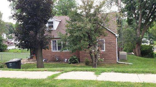 Photo of 230 E Greenwood St, Jefferson, WI 53549 (MLS # 1702533)