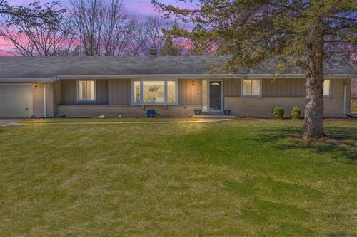Photo of 11819 N Country Ln, Mequon, WI 53092 (MLS # 1733535)
