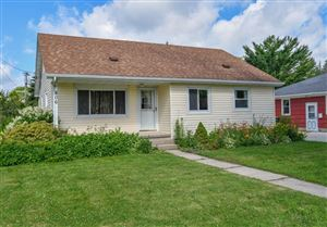 Photo of 806 Grove St, Beaver Dam, WI 53916 (MLS # 1646539)