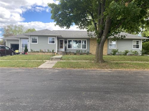Photo of 703 Frederick Ave, Fort Atkinson, WI 53538 (MLS # 1749544)