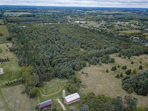 Photo of Lot 3 Killarney Rd, Hartford, WI 53027 (MLS # 1735545)