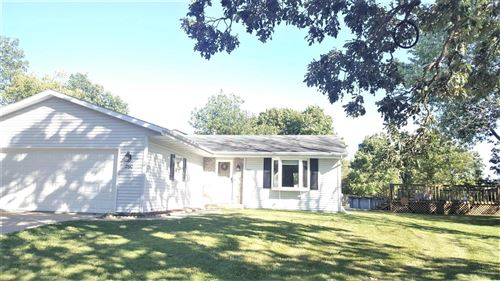Photo of 2190 North Shore Dr, East Troy, WI 53120 (MLS # 1708548)