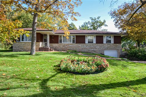 Photo of 4280 S 43rd St, Greenfield, WI 53220 (MLS # 1664550)