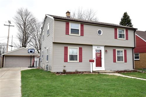 Photo of 825 Marion Ave, South Milwaukee, WI 53172 (MLS # 1734552)