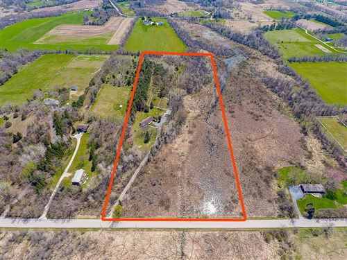 Photo of S43W38915 County Road D, Dousman, WI 53118 (MLS # 1687553)