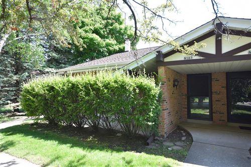 Photo of W54N167 Garfield Ct, Cedarburg, WI 53012 (MLS # 1693553)