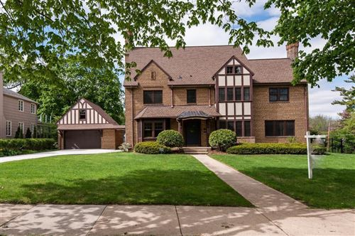 Photo of 909 8th St, Rochester, MN 55902 (MLS # 5430555)