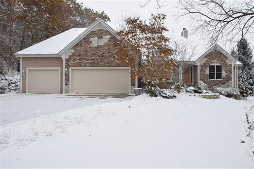 Photo of 5025 Wood Lilly Ln, Waterford, WI 53185 (MLS # 1667560)