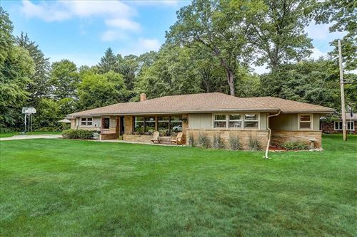 Photo of 5955 S 36th St, Greenfield, WI 53221 (MLS # 1753564)