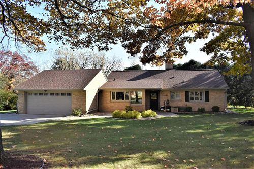 Photo of 11931 W Elmhurst Pkwy, Wauwatosa, WI 53226 (MLS # 1718565)