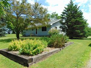 Photo of W272S8260 Hillview DR, Mukwonago, WI 53149 (MLS # 1644566)