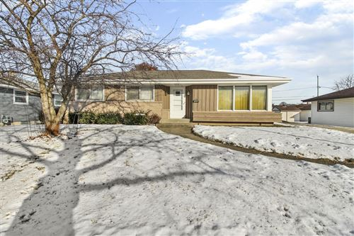 Photo of 1628 Manistique Ave, South Milwaukee, WI 53172 (MLS # 1673566)