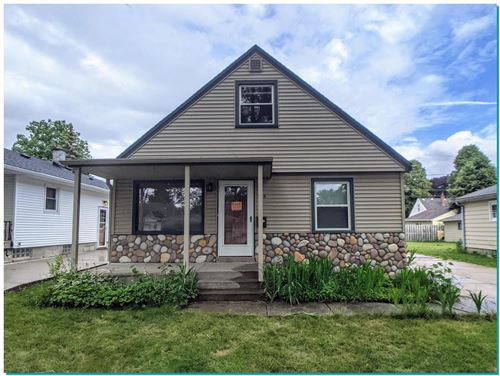Photo of 914 S 111th St, West Allis, WI 53214 (MLS # 1749568)