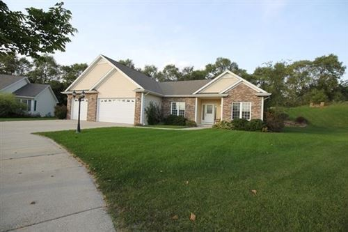 Photo of 218 Lakeview Dr, Whitewater, WI 53190 (MLS # 1711571)