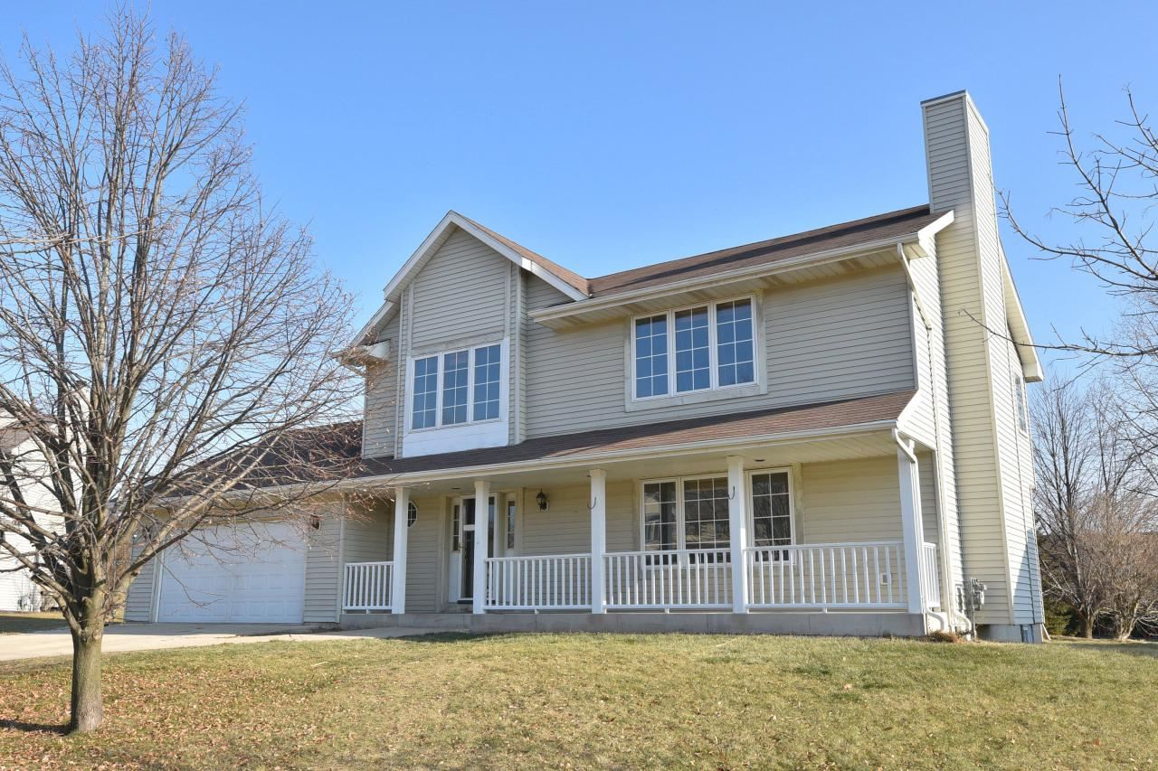 404 Hickory Dr, Fredonia, WI 53021 - MLS#: 1669573