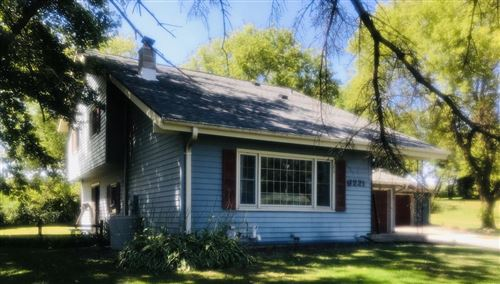 Photo of N6221 Clearview Dr, Fredonia, WI 53021 (MLS # 1705574)