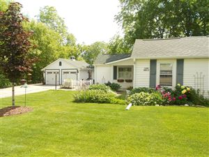 Photo of W239N6602 Maple Ave, Sussex, WI 53089 (MLS # 1644577)