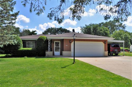 Photo of 3150 S Willow Rd, New Berlin, WI 53146 (MLS # 1702585)