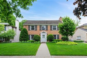 Photo of 4628 N Wilshire Rd, Whitefish Bay, WI 53211 (MLS # 1644587)