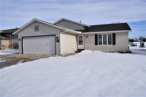 Photo of 1560 Foxtail Dr, Hartford, WI 53027 (MLS # 1671588)