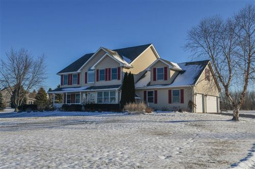 Photo of 1260 S Opengate Ct, Summit, WI 53066 (MLS # 1673589)