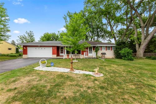 Photo of 5720 S 43rd St, Greenfield, WI 53220 (MLS # 1750590)