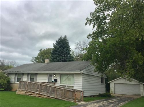 Photo of 6158 N Alberta Ln, Glendale, WI 53217 (MLS # 1709591)