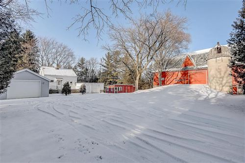 Photo of 466 Decorah Rd, West Bend, WI 53095 (MLS # 1673594)