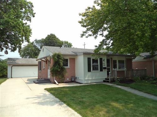 Photo of W64N416 Madison Ave, Cedarburg, WI 53012 (MLS # 1753596)
