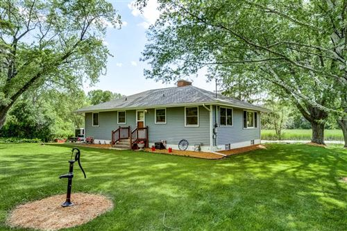 Photo of 8010 W Lake Dr, Waterford, WI 53185 (MLS # 1693598)