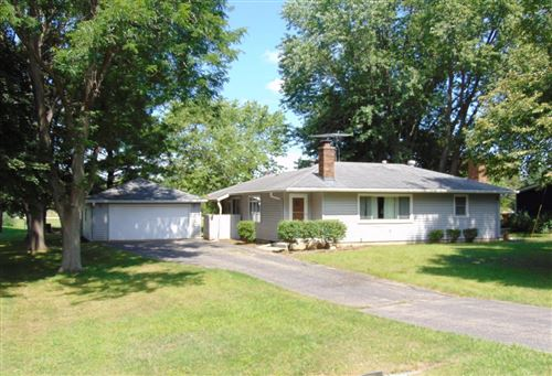 Photo of 32600 Yahnke Rd, Burlington, WI 53105 (MLS # 1658601)