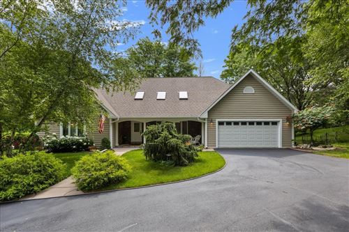 Photo of W314S5980 Dable Rd, Mukwonago, WI 53149 (MLS # 1752601)