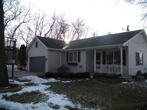 Photo of 435 Elm Ct, Twin Lakes, WI 53181 (MLS # 1672603)