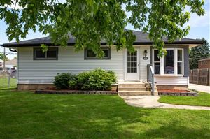 Photo of 612 Columbia Ave, South Milwaukee, WI 53172 (MLS # 1644604)