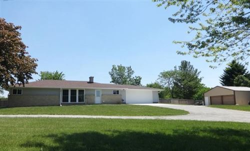 Photo of 3219 Crossway Rd, Burlington, WI 53105 (MLS # 1694605)