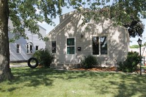 Photo of 922 S 109th ST, West Allis, WI 53214 (MLS # 1648608)